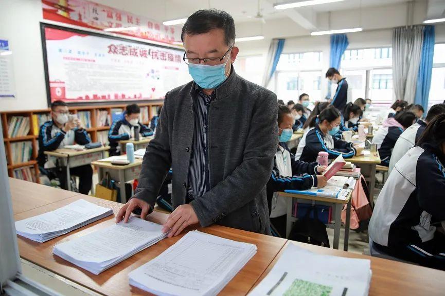实拍!开学第一天,榆林2万余名高三学生率先走进校园