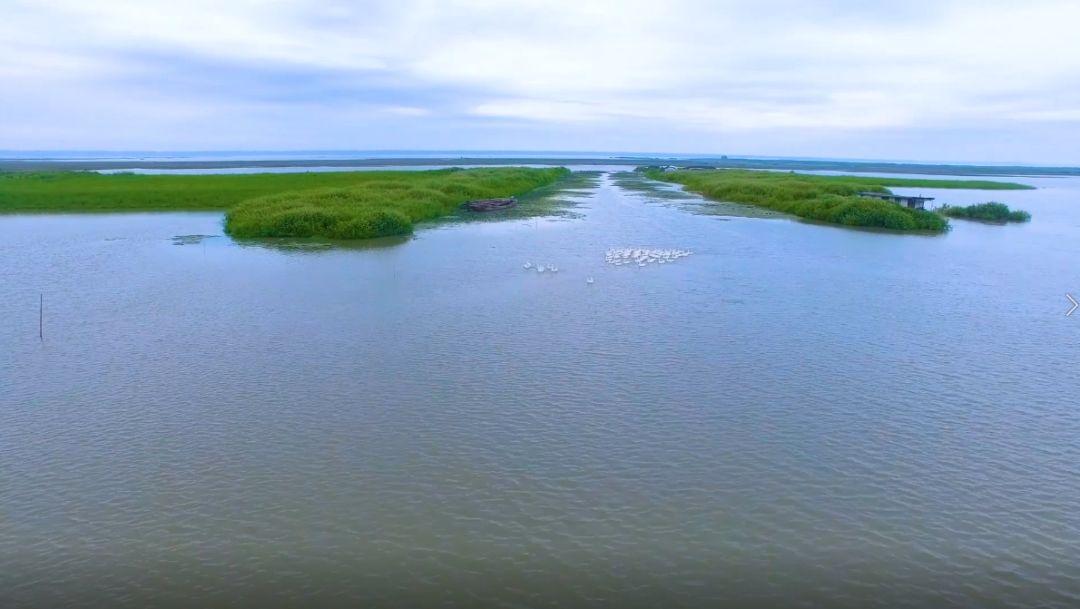 �砜纯囱胍�老��配音的�@部��l里,有你心目中�h中最美的河流�幔�