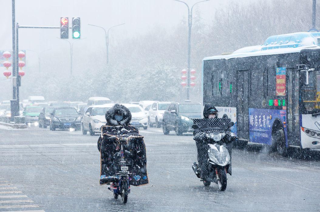 �璐ǖ男』锇��大雪暴雪正在�s往�璐ǖ穆飞希��您做好���......