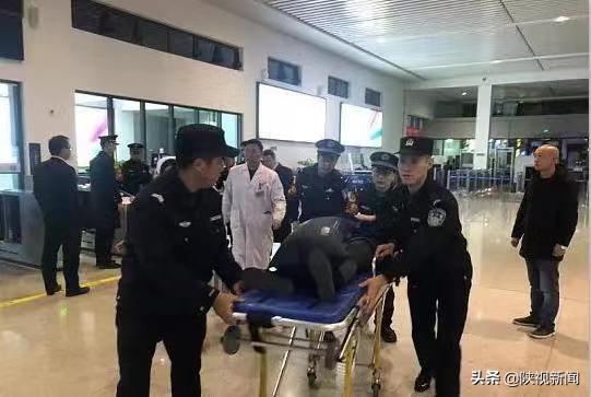 旅客患病高�F�R停�h中佛坪