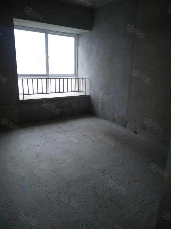 香榭水岸毛坯房急售,三室二厅二卫,106平米,需全款