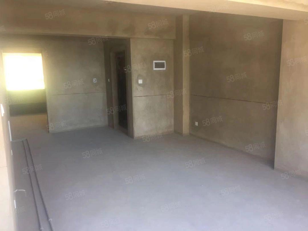 新楼梯房南北通透,房东诚心金沙官方平台,62万
