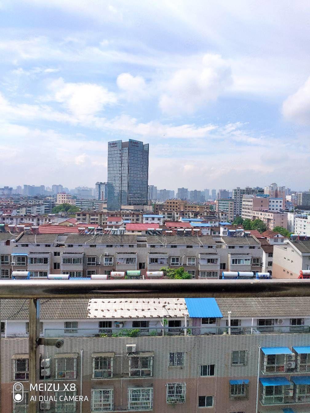 大漢天一酒店天漢芙蓉苑小高層11樓,僅售49萬,有產證可按