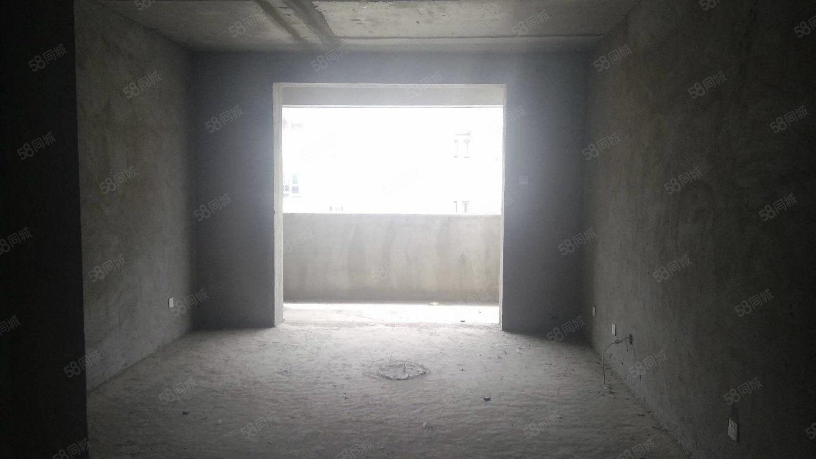 业主委托房源有钥匙一梯两户送30平大露台有证能按揭