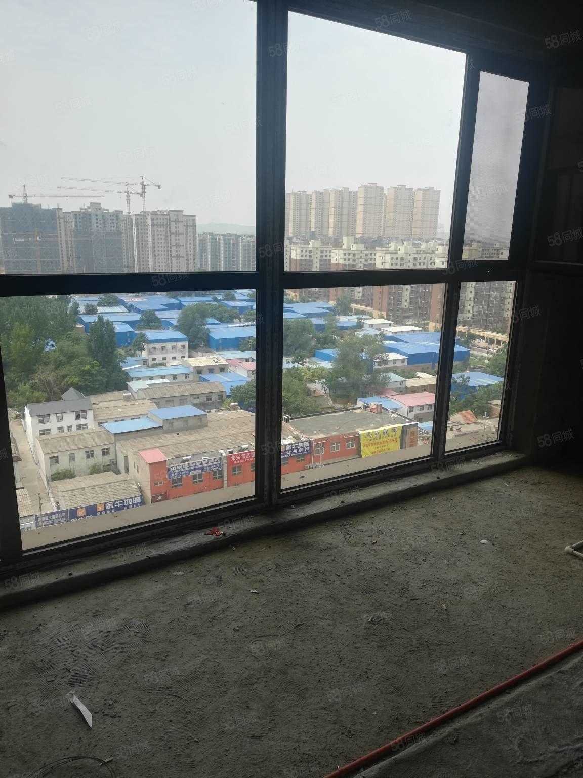 平安景苑前排临路15楼水电已改正铺地板户型采光好65万可更名