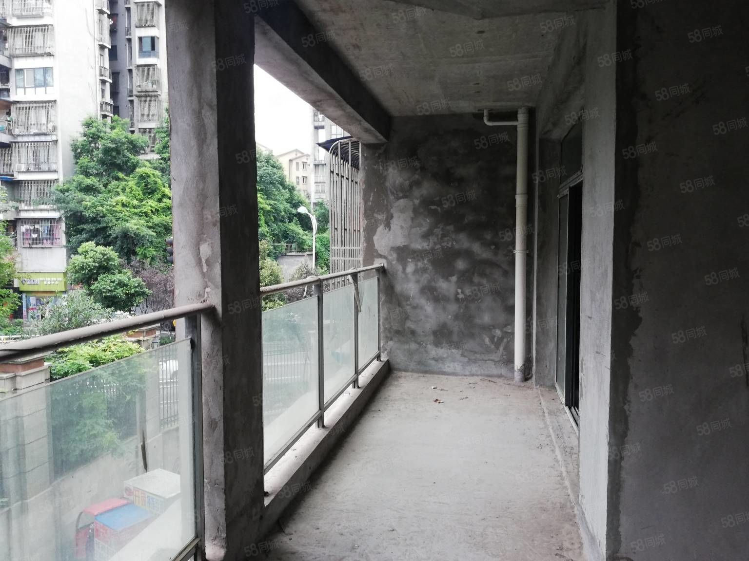 城西维多利亚三期低楼层清水三室出售