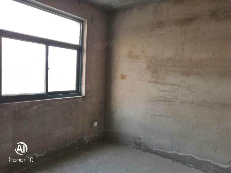 商业街附近3室1厅130平米毛房地暖48万