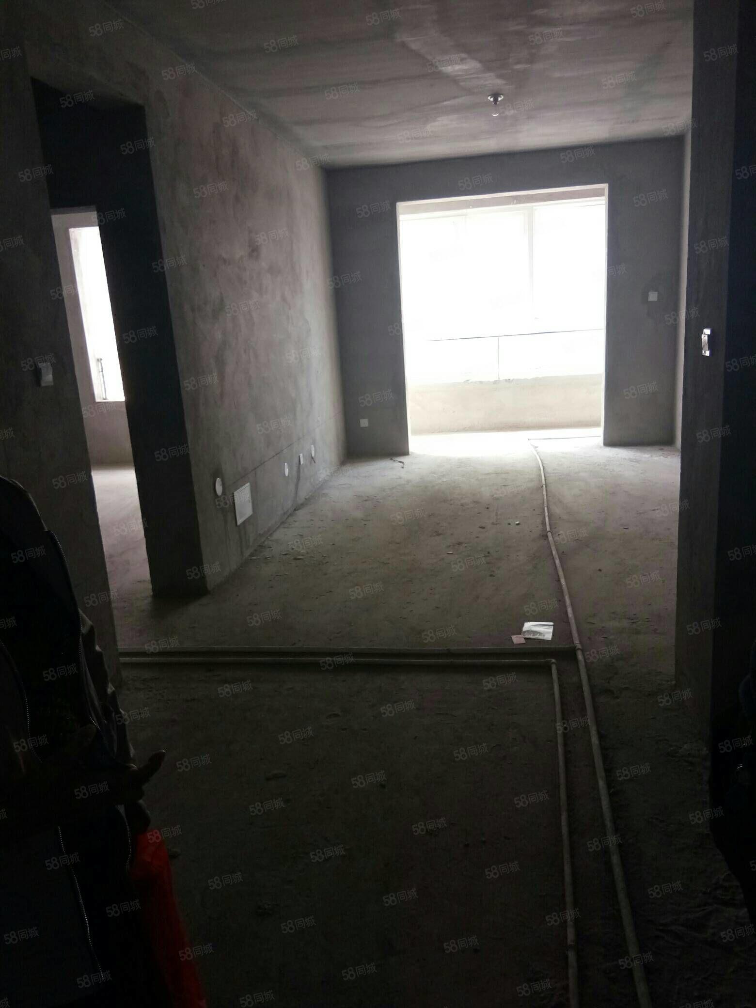 安泽苑西区,电梯房,3室2厅,115平米毛坯