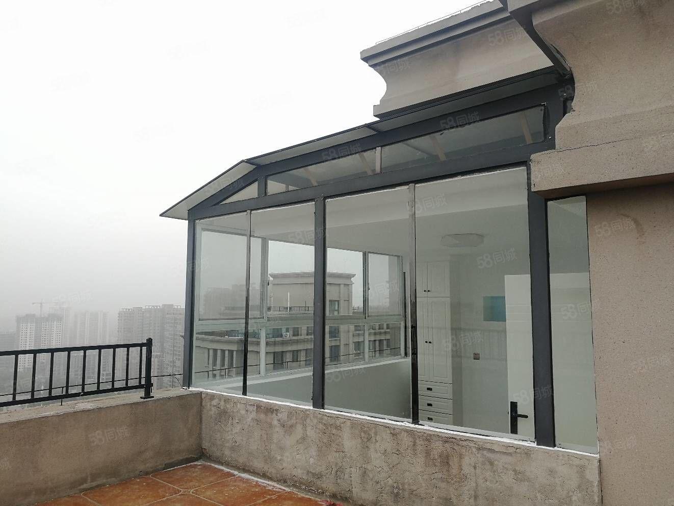 建设路中央名邸二期2室精装修,带平台,新装未住