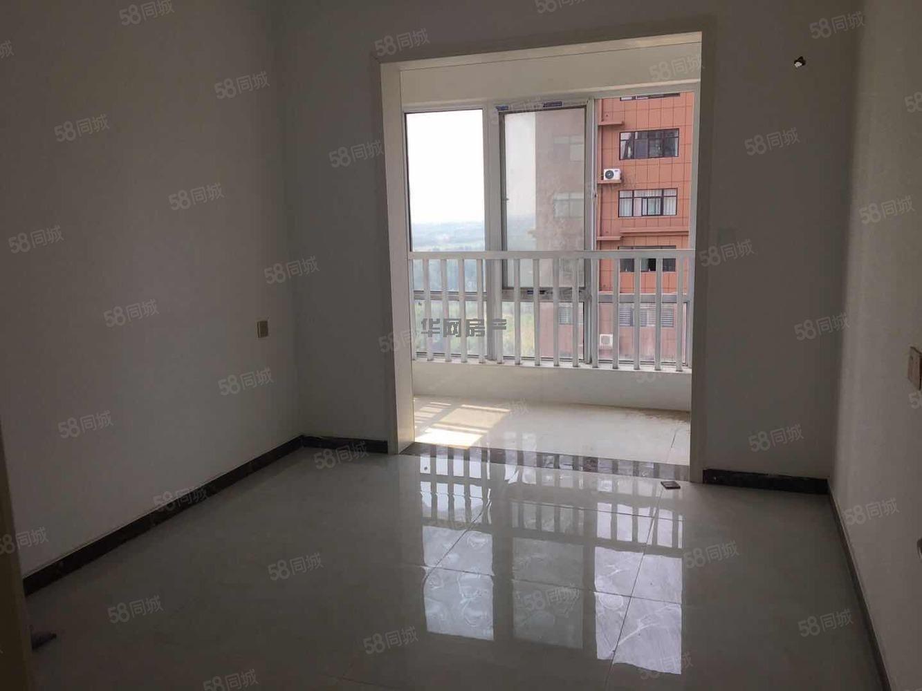 龍湖瀾岸,2居室2居室支持貸款,首付12萬。