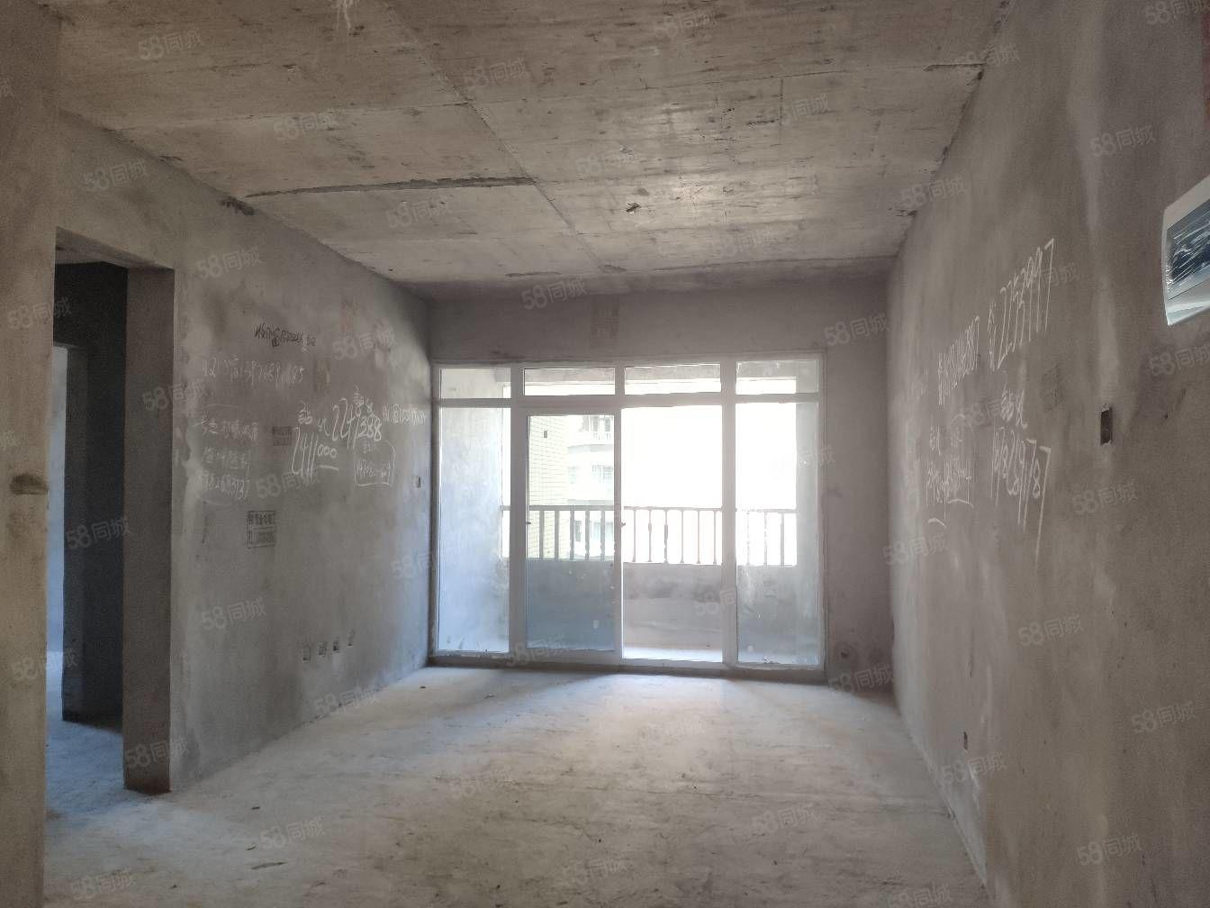 東南片區清水3房,中間樓層,看花園,快下房產證了
