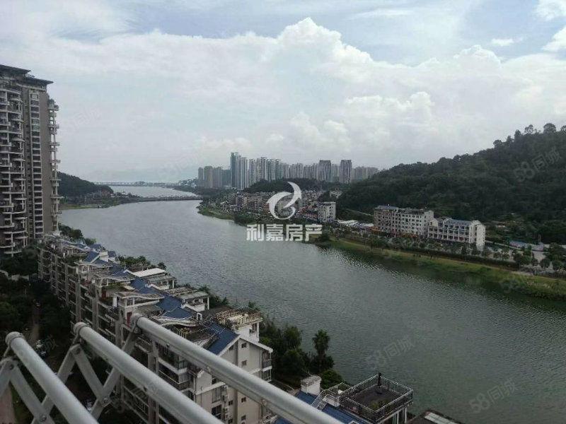 市中心沿湖沿湖电梯高层精装4.5房房东外地发展