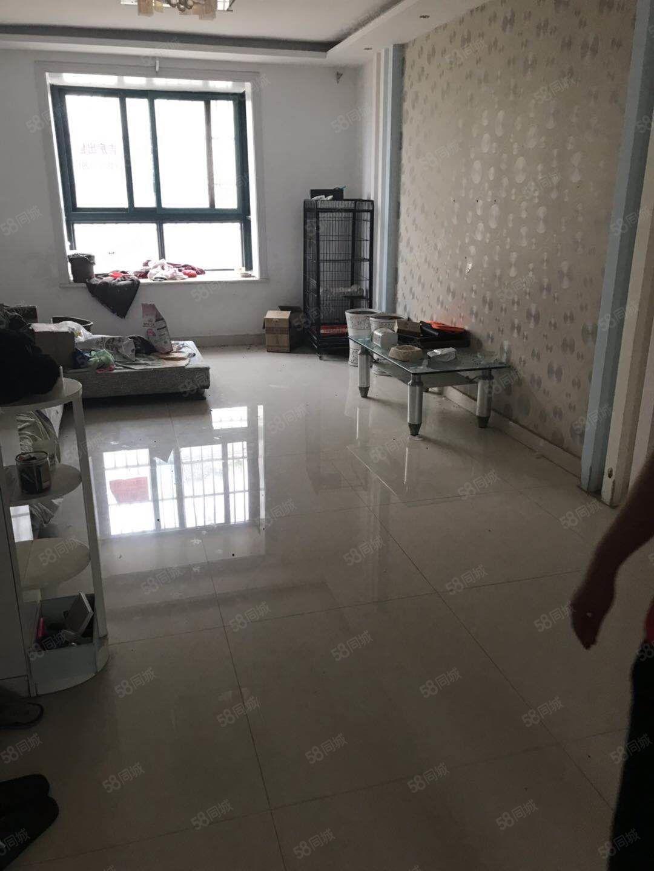 新上老城区多层河畔华城2室送7平储藏室随时可以看房