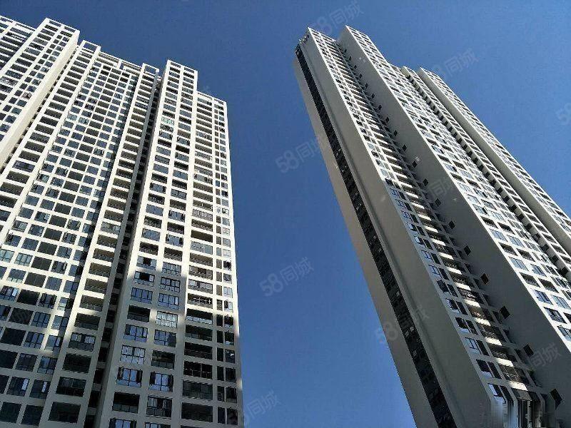 上东曼哈顿沿湖一排带装修满二省税真实房源