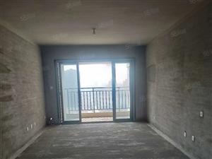 翡翠庄园,三室两厅,南北通透,前无遮挡,站在阳台上能看到南湖