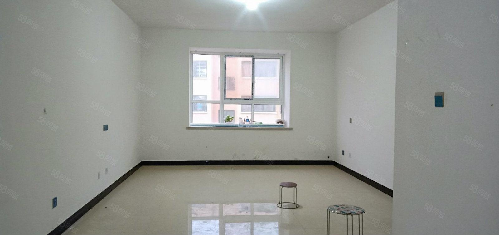 翔宇花园市中心位,安静小区,3室2厅1卫1阳台,房东换房