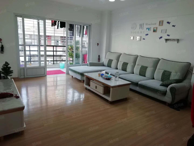 东环小区3房2厅2卫,简单装修,拎包入住,就读城东小学,三中