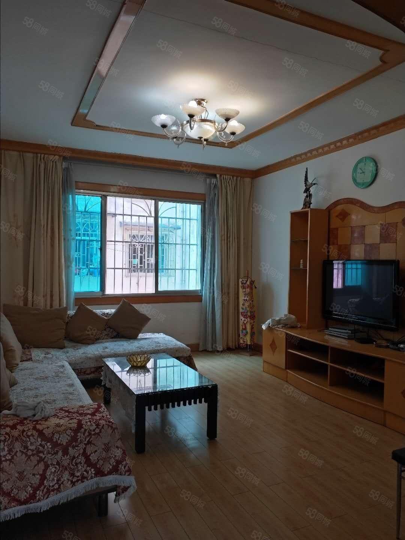 出租龙里教师新村3精装3室2厅家具家电齐全,租金1200元