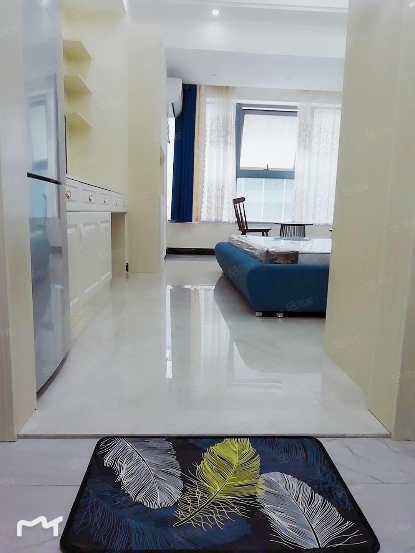 潤達新公寓新裝修家具家電齊全,首次出租,拎包入住