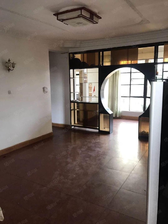 烟厂D区6楼3个卧室带部分家具澳门金沙平台停车方便850元就租了