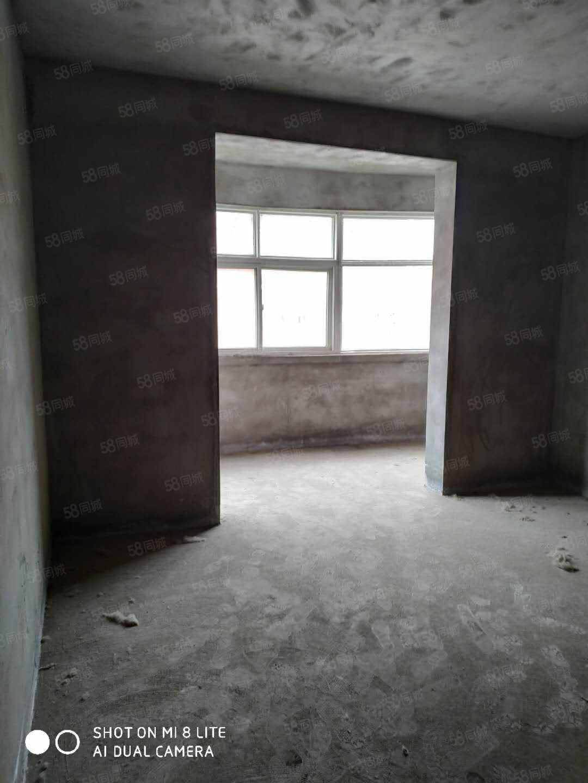 新艺花城经典小三室带储藏间可按揭可贷款