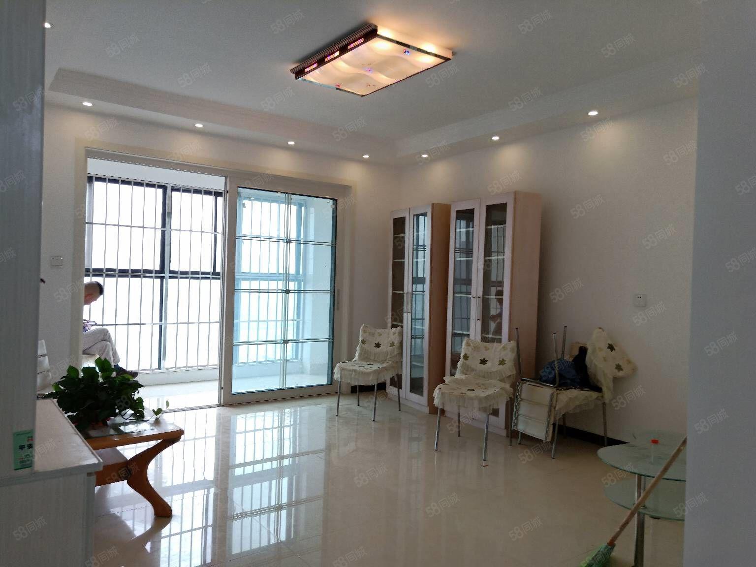 新加坡花园电梯房106平方小三房采光好可按揭79.8万