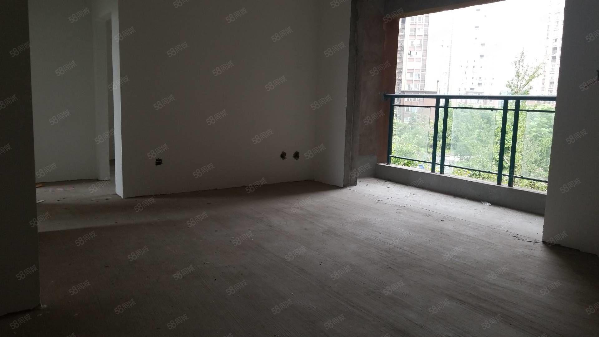 枣山片区广高新城现房清水三室,可续按揭21万,