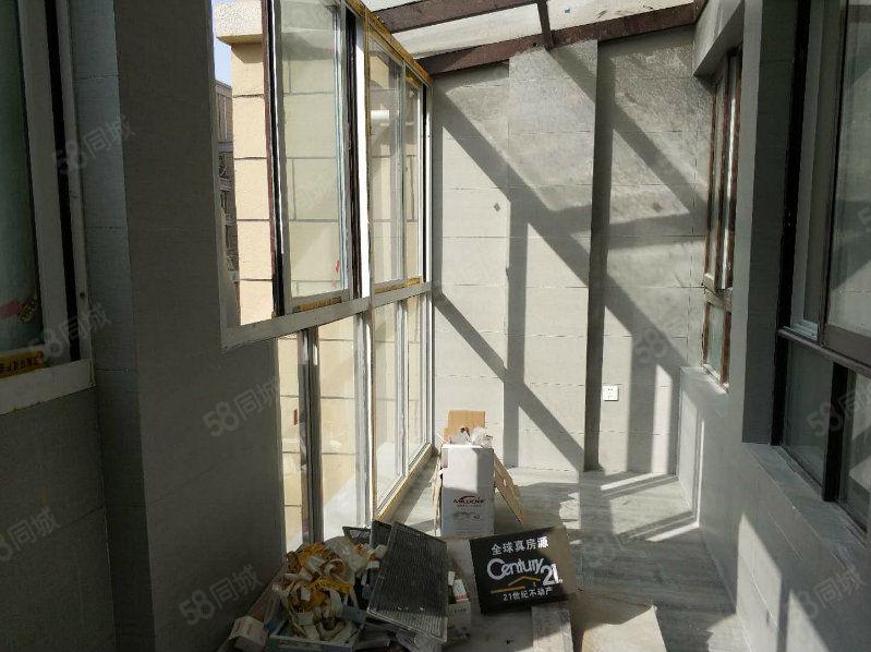 急售左岸小镇三楼洋房南北通透全屋采光双阳台