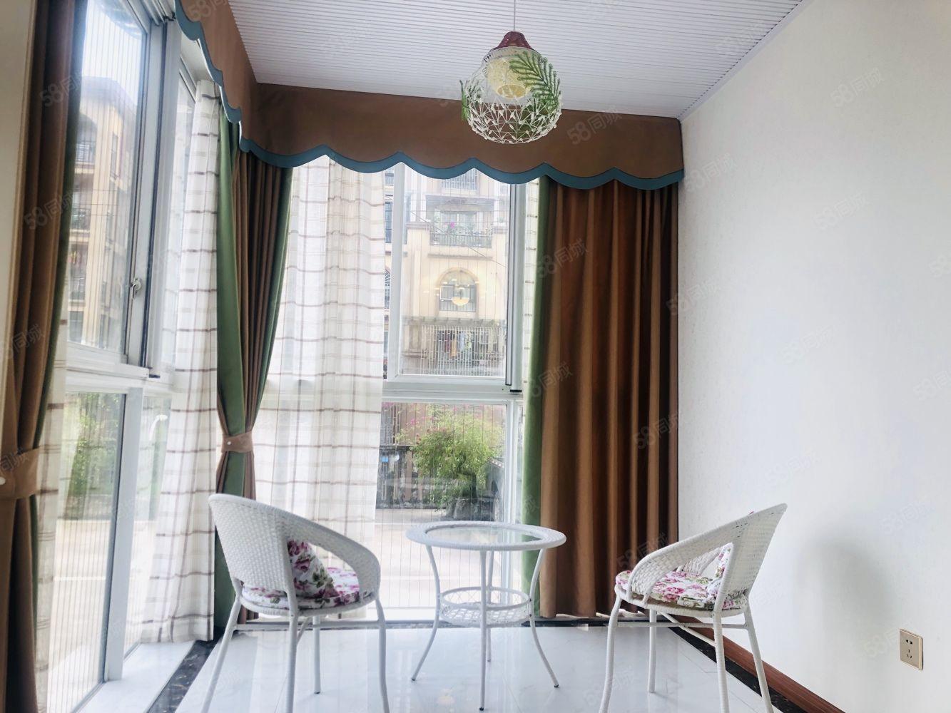 紫荆城全新精装三室两厅两卫,带落地窗阳台,巴适的板