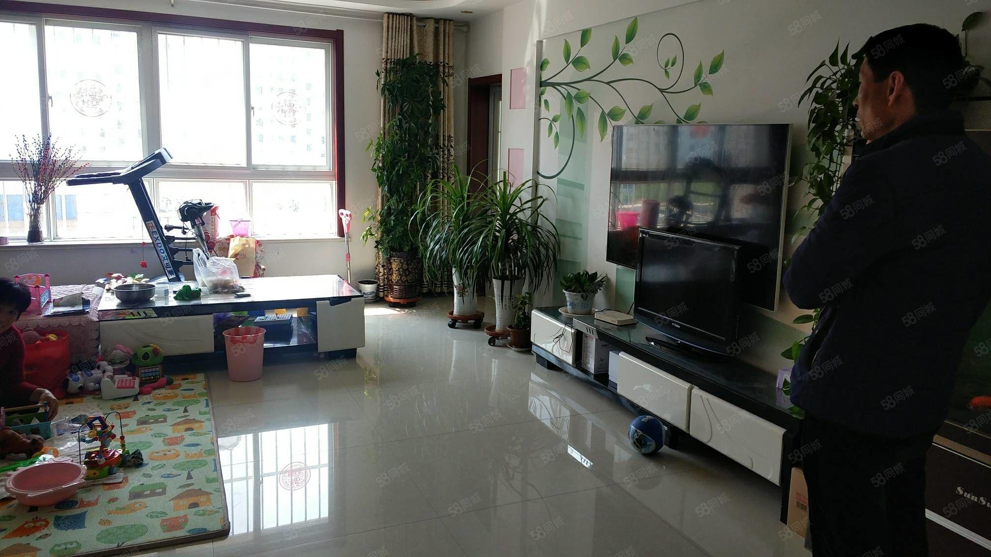 龙泽苑9楼精装2室1厅1卫有122平储藏室价格优惠交通便利