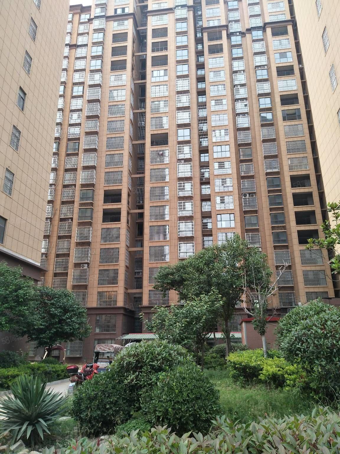 名湖花园115平方三室二厅毛坯年低交房可改一手证