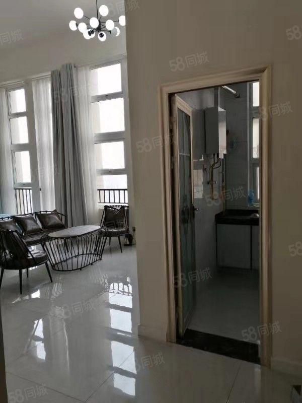 龙源湖国际广场商住双气小公寓简单装修北户
