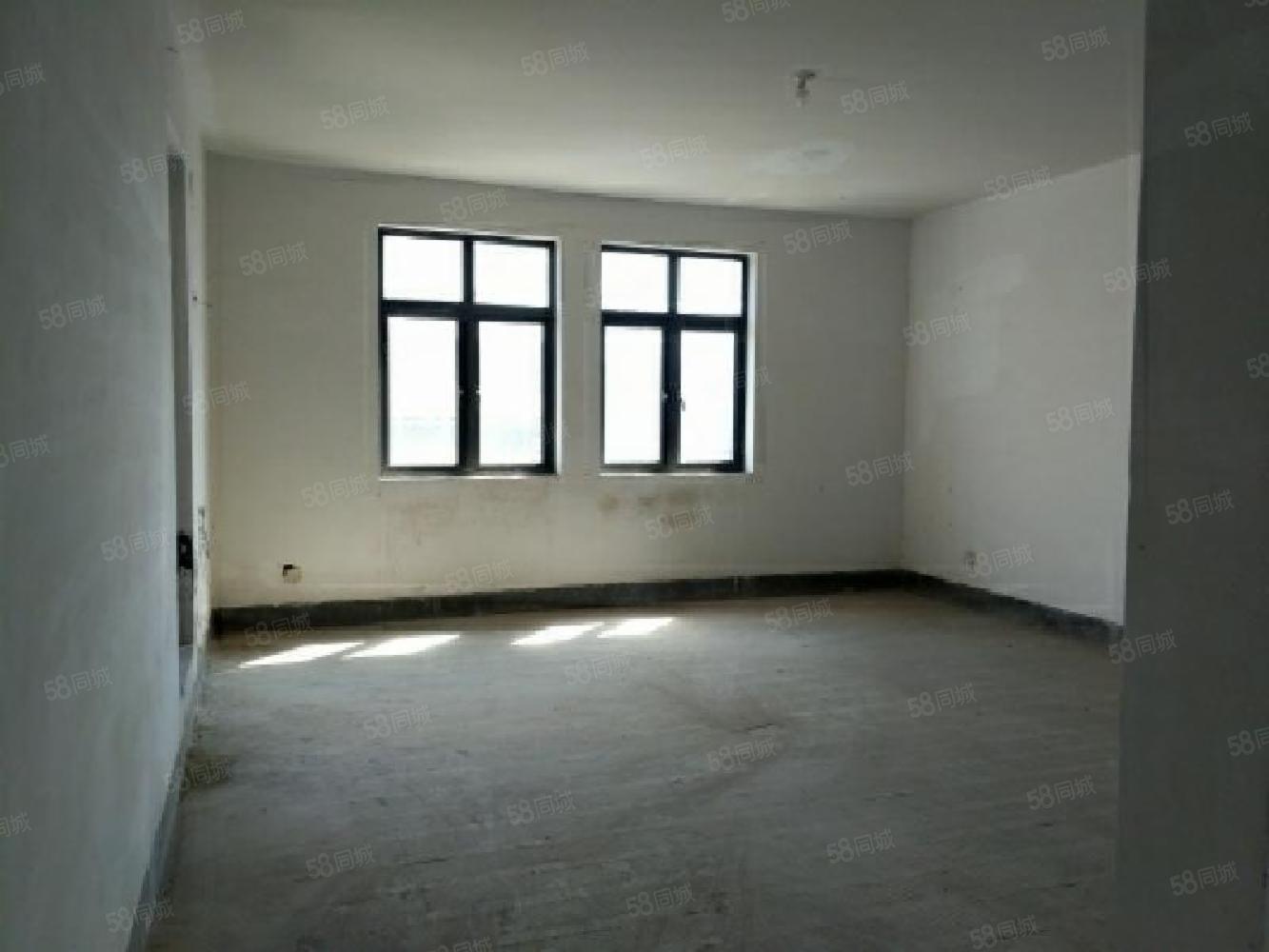 九龍山莊新出山地排屋 500萬低于市場價,性價比