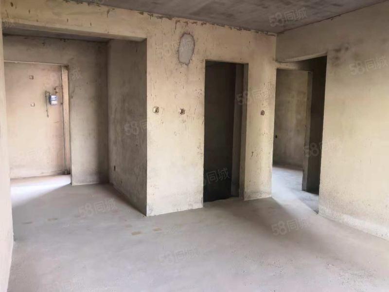 高铁站隔壁隔壁经典户型大兴商住苑三室两厅20万首付电梯直达