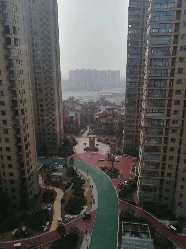 新加坡花园,精装三室两厅,有证可按揭,看房方便
