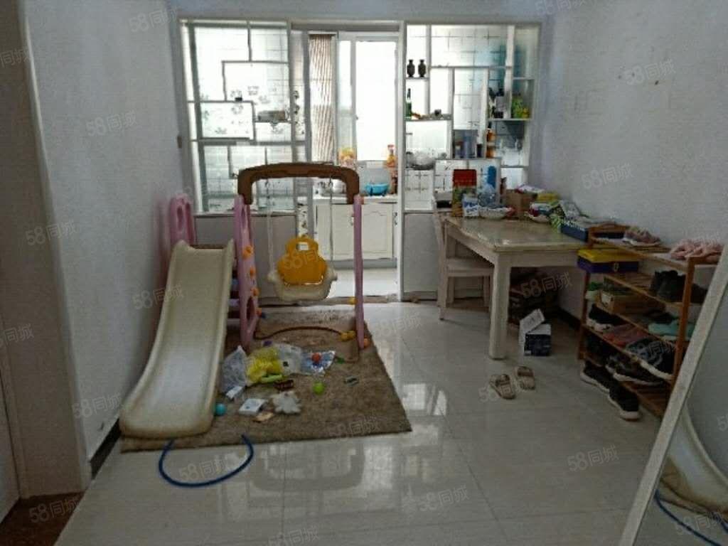 翡翠御庭三室两厅一卫中层超值三室