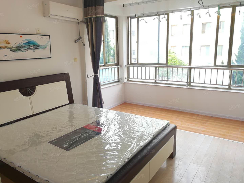 特價優惠中!!銀泰花園小區全新豪裝一室一廳僅售17.5萬!!