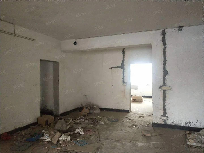 三国城农机老葡京网址三室两厅诚意出售,水电已接通