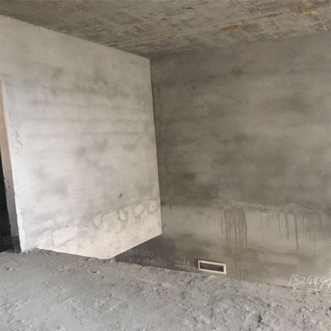 悦城霸气四房真跃层单价6500全产权使用面积150