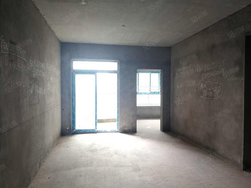 香山公馆清水两房 小区环境好 安全性高 急售