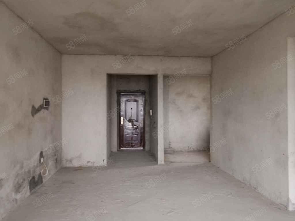 出售盛世華庭小區套間,3房2廳2衛,110平方