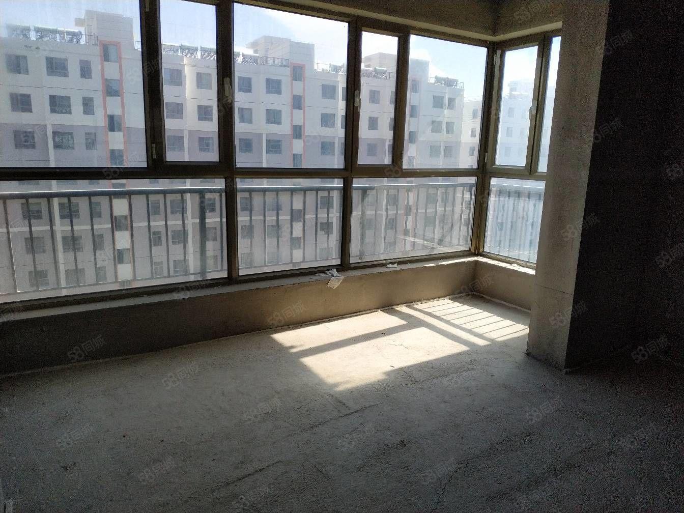 幸福里9楼三室三向阳毛坯房可按揭