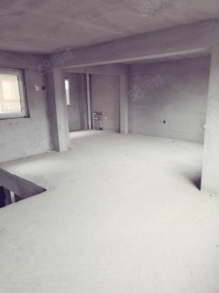 春佳地产二期新房全款送40平米阁楼业主急售