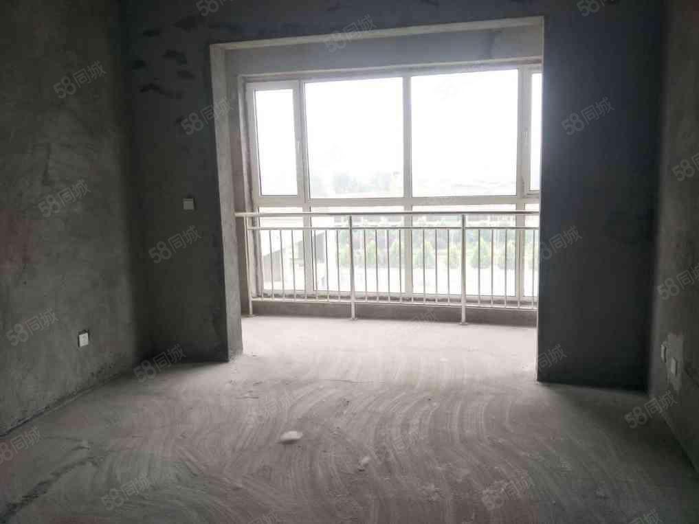 华运凯旋城两房毛坯户型方正两卧朝南观景房能看如意湖