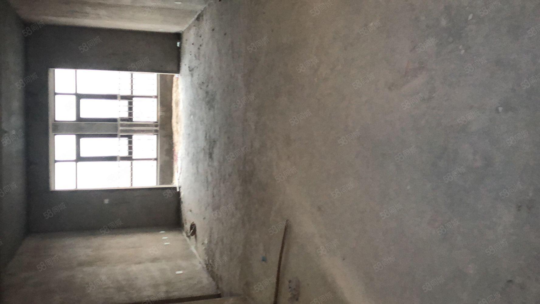 東湖錦岸電梯14樓142平三室兩廳兩衛,58萬首付39貸19