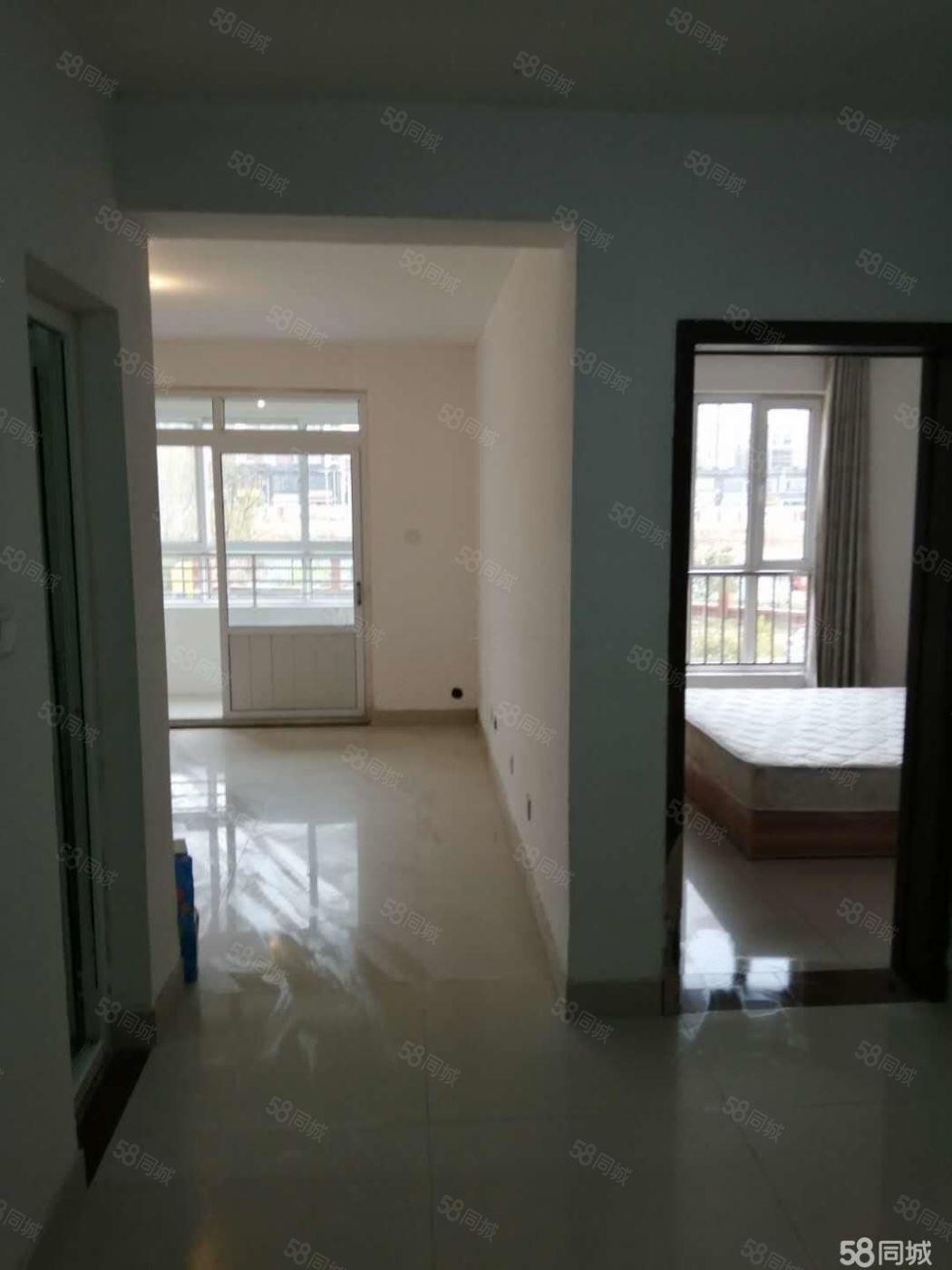 唐王湖小区2室2厅1卫