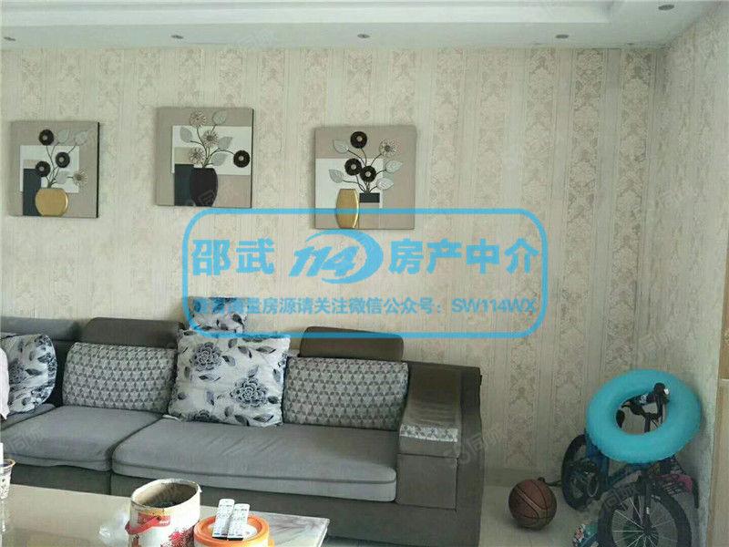 No.1803凯旋城A区中间层112.71平米精装三室75万