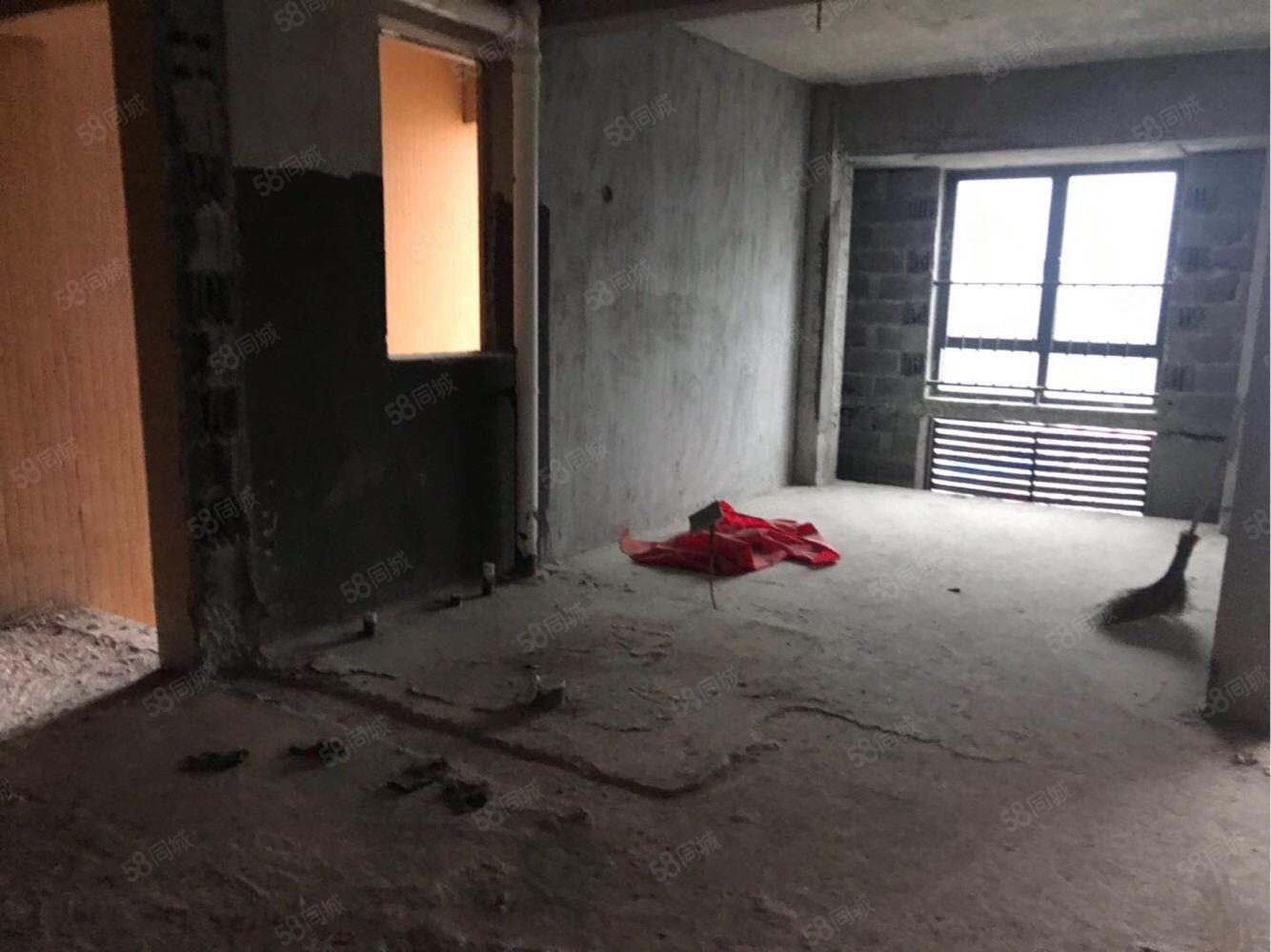 唐宁街便宜的一套,四室75万急售,急售