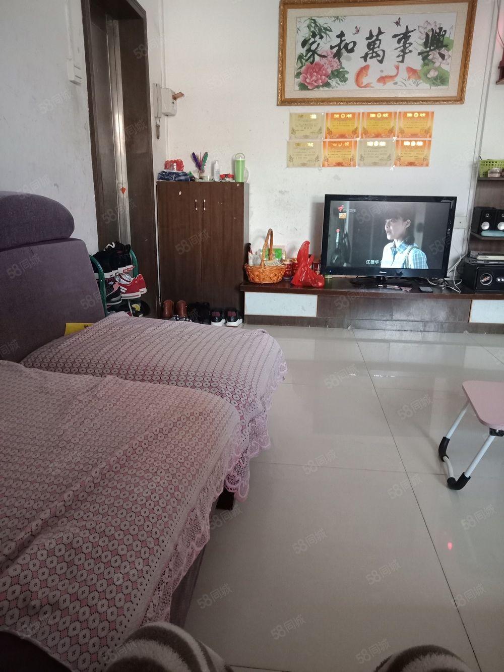 阳东花园振士小区3房79.6平方28.5万低层新净首期10万