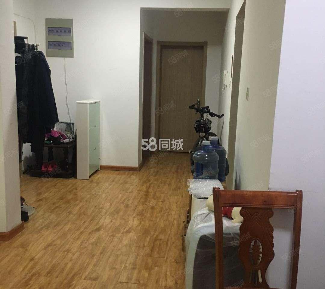 出租3室2厅2卫的房在天瑞小区